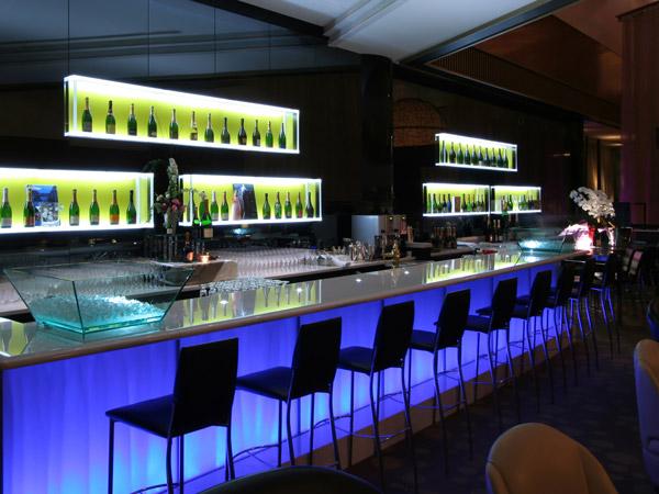 Lichtgestaltung und beleuchtung ideen und informationen - Bar en casa decoracion ...