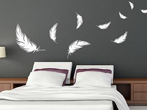 Wandtattoo im schlafzimmer von wandtattoos for Gestaltungsideen schlafzimmer