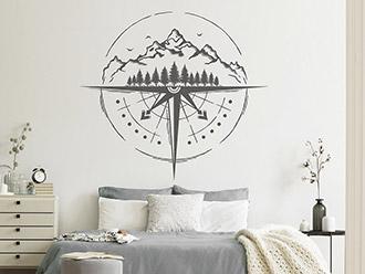 Wandtattoo Kompass mit Berglandschaft