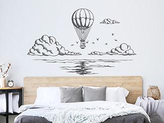 Wandtattoo Heißluftballon über dem Meer