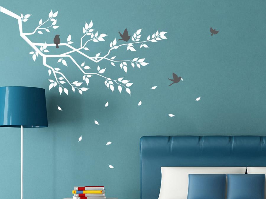 Wandtattoo Ast Mit Blättern Und Vögeln Im Schlafzimmer