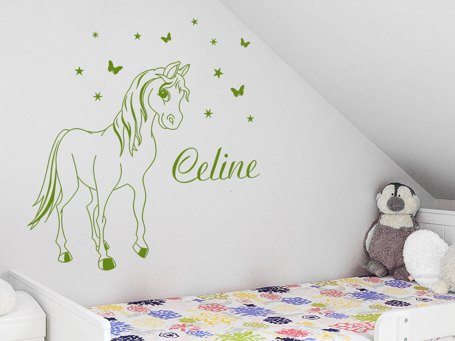 wandtattoo pony mit name und schmetterlingen wandtattoo de. Black Bedroom Furniture Sets. Home Design Ideas
