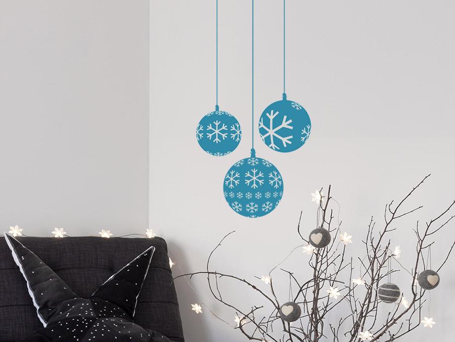 wandtattoo weihnachtskugeln mit schneeflocken von. Black Bedroom Furniture Sets. Home Design Ideas