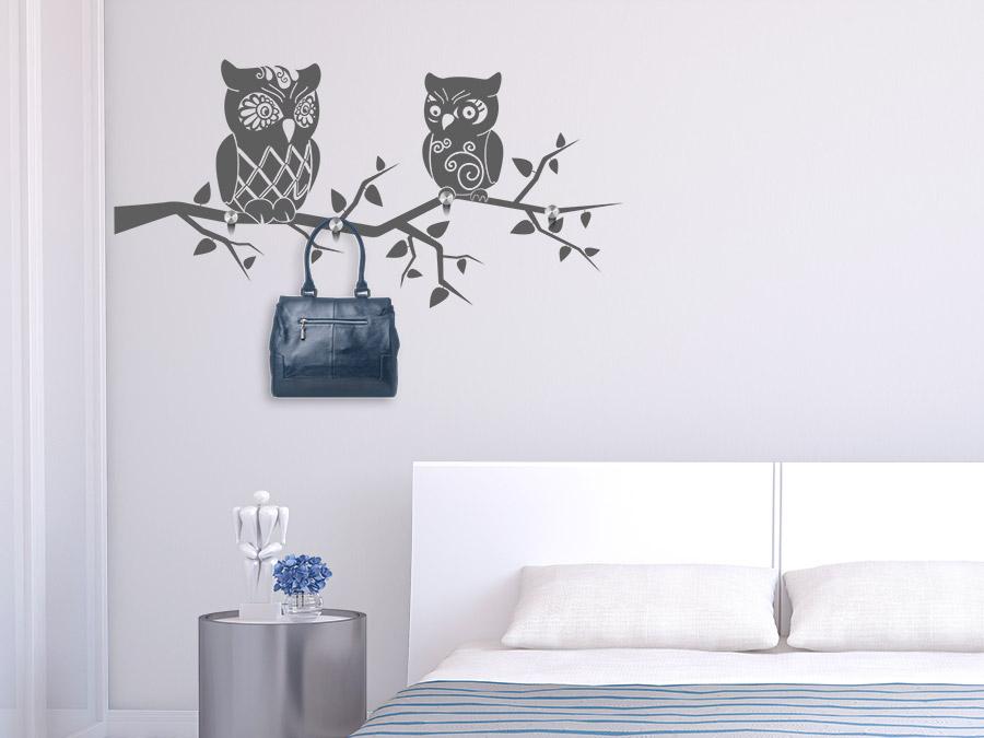 24 garderobe im schlafzimmer bilder alte holzleiter als garderobe an weisser wand im. Black Bedroom Furniture Sets. Home Design Ideas