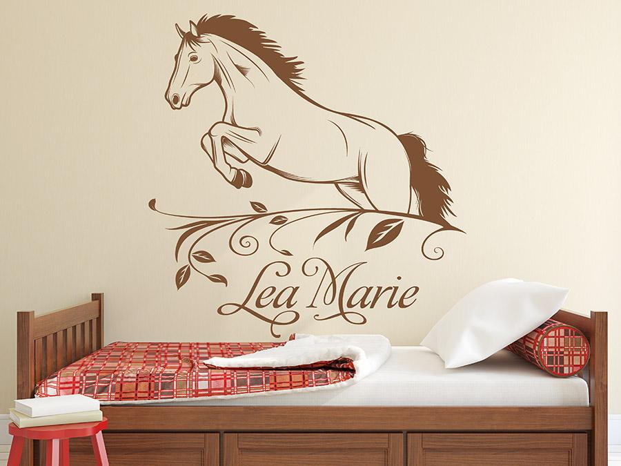 wandtattoo pferd im sprung mit name wandtattoo de. Black Bedroom Furniture Sets. Home Design Ideas