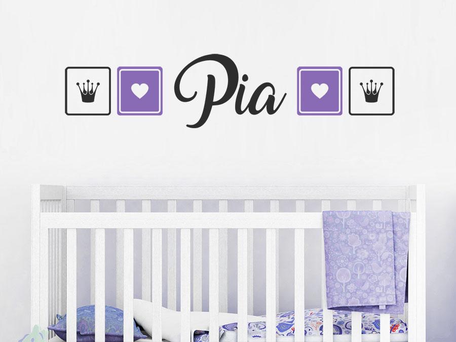 Wandtattoo wunschname mit herzen und kronen wandtattoo de for Wanddekoration babyzimmer