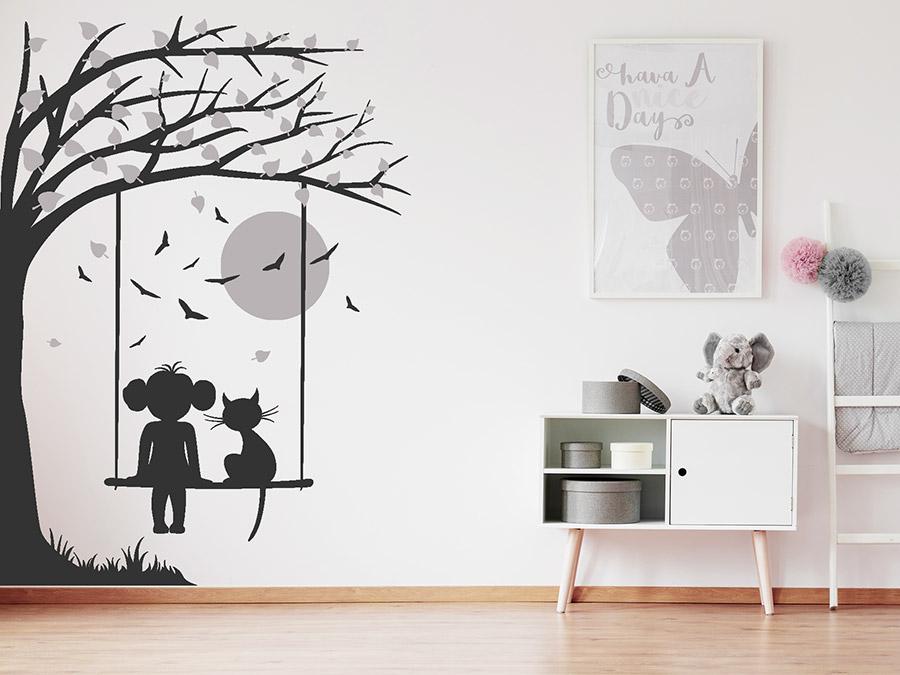 Wandtattoo Baum mit Schaukel, Mädchen und Katze | Wandtattoos.de