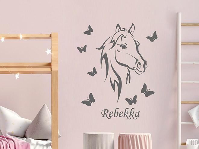 wandtattoo pferdekopf mit schmetterlingen wandtattoo de. Black Bedroom Furniture Sets. Home Design Ideas