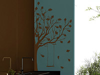 Wandtattoo Herbst Baum mit Schaukel in braun in der Küche