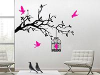 Wandtattoo Ast mit Vogelkäfig im Wohnzimmer auf heller Wand