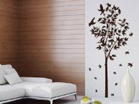 Wandtattoo Ahornbaum im Wohnzimmer in dunkelbraun