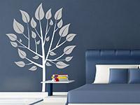 Wandtattoo Bäumchen im Schlafzimmer in weiß und hellgrau