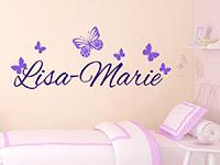Wunschnamen Wandtattoo mit Schmetterlingen im Kinderzimmer