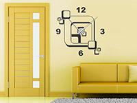 Retro Wandtattoo Uhr Cubes auf heller Wandfläche