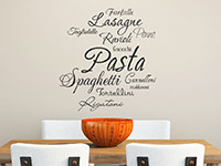 Pasta Wandtattoo auf heller Wandfläche