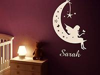 Mädchen Wandtattoo Mondfee mit Name auf dunkler Wand