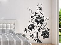 Wandtattoo Blumenzauber im Schlafzimmer in schwarz