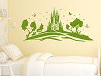 Mädchen Wandtattoo Märchenland über dem Bett
