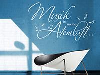 Musik Wandtattoo Musik ist meine Atemluft in weiß auf dunkler Wand