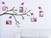 Zweifarbiger Wandtattoo Fotozweig auf heller Wandfläche