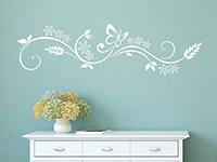 Florales Wandtattoo Design mit Blüten in weiß