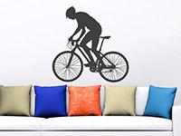 Rad Wandtattoo Mountainbiker über der Couch