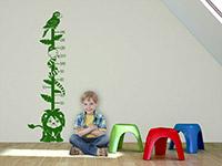 Dschungel Wandtattoo Messlatte in grasgrün im Kinderzimmer