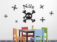 Piraten Wandtattoo Set Witzige Skulls mit Wunschname in schwarz