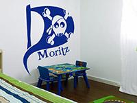 Wandtattoo Piratenflagge im Kinderzimmer in königsblau