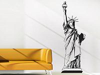 New York Wandtattoo Freiheitsstatue neben der Couch