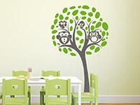 Baum Wandtattoo Eulenfamilie im Kinderzimmer