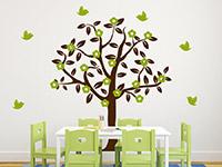 Zweifarbiger Wandtattoo Baum in braun und lindgrün