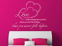 Wandtattoo Love is the feeling... im Schlafzimmer in weiß