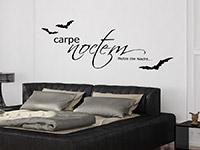 Carpe Noctem Wandtattoo mit Fledermäusen im Schlafzimmer