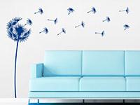 Wandtattoo Flauschige Pusteblume in blau im Wohnzimmer