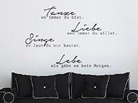 Moderner Wandtattoo Spruch Tanze ... im Wohnzimmer