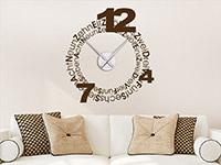 Wandtattoo Uhr Geschriebene Zahlen im Wohnzimmer