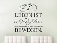 Sprichwort Wandtattoo Leben ist wie Rad fahren auf heller Wand