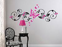 Verschnörkeltes Wandtattoo Schmetterlingsornament in schwarz und pink