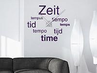 Wanduhr Wandtattoo Uhr Zeit auf heller Wandfläche