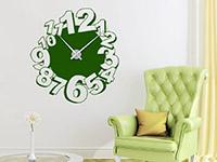 Wandtattoo Uhr Verspielte Zahlen im Wohnzimmer