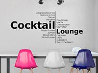 Worte Wandtattoo Cocktail Lounge auf hellem Hintergrund