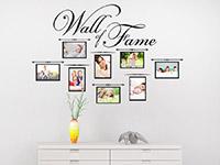 Fotorahmen Wandtattoo Wall of Fame über einer Kommode