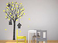 Wandtattoo Baum mit Vogelhäusern im Kinderzimmer