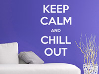 Wandtattoo Keep calm and chill out im Wohnzimmer