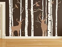 Zweifarbiges Wald mit Hirschen Wandtattoo auf dunkler Wand