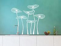 Originelles Wandtattoo Abstrakte Blüten in weiß in der Küche