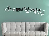 Wandtattoo Zierlicher Ast mit Vögeln im Wohnzimmer