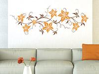 Wandtattoo Zweifarbige Blumenranke im Wohnzimmer