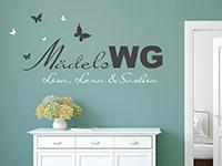 Originelles Wandtattoo Mädels WG mit Schmetterlingen im Flur